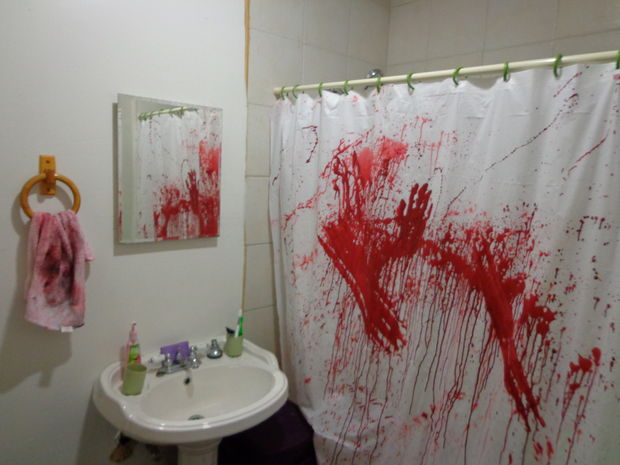 Halloween Party Decorations Ideas - bloody bathroom