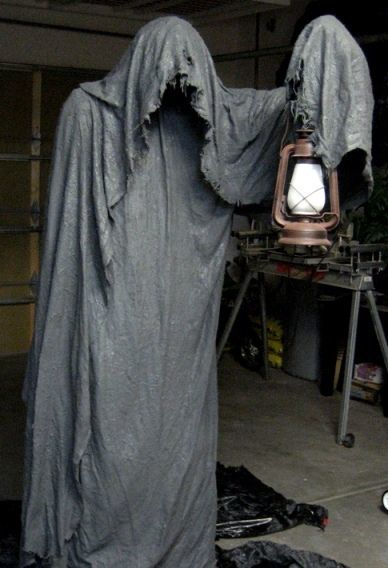 Halloween Party Decorations Ideas - ghost with a lamp