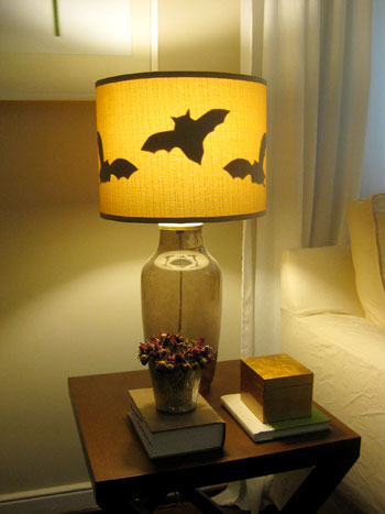 Halloween Party Decorations Ideas - lamp with bats